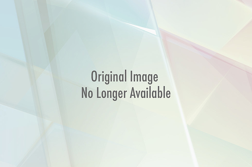 rihanna topless video