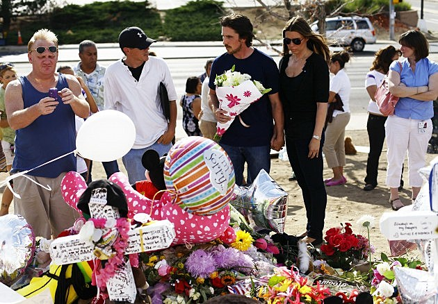 """""""Dark Knight"""" Star Christian Bale Visits Aurora, CO After Theater Shootings"""