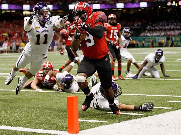 harry peoples scores td in cajuns win over east carolina in the new orleans bowl