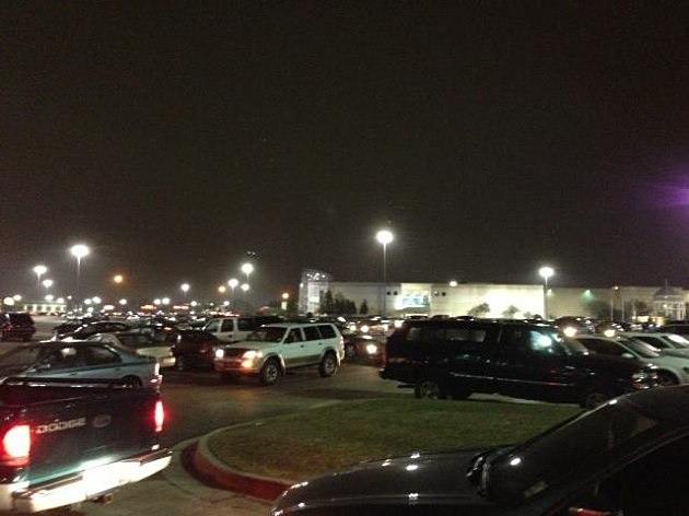 mall of louisiana closed after large fight