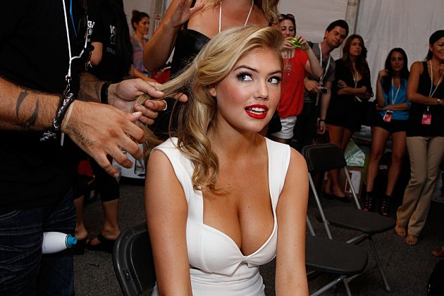kate upton goes fully topless boobs out on a horse video. Black Bedroom Furniture Sets. Home Design Ideas