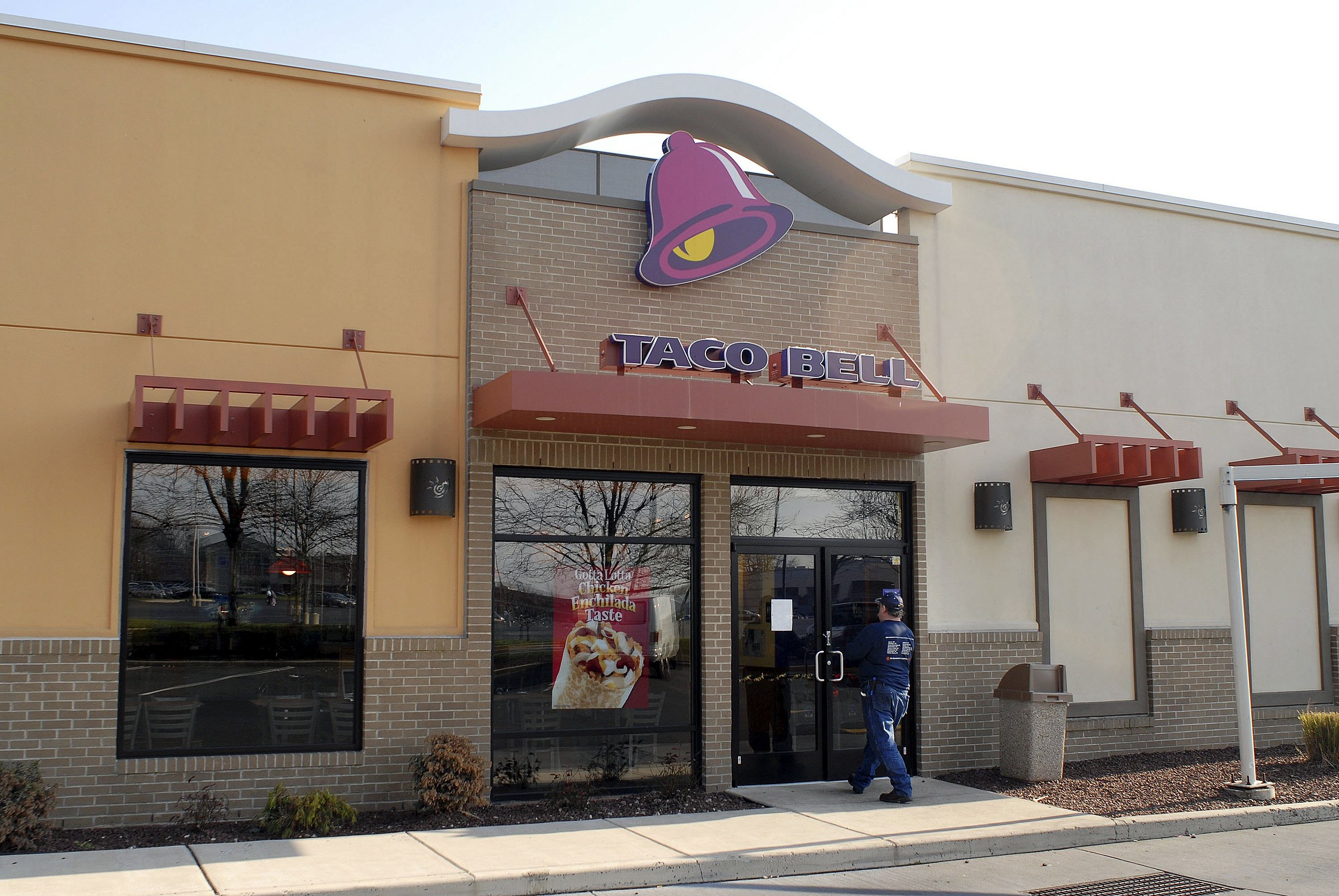 Philadelphia Area Taco Bell Restaurants Close Following E. Coli Warning